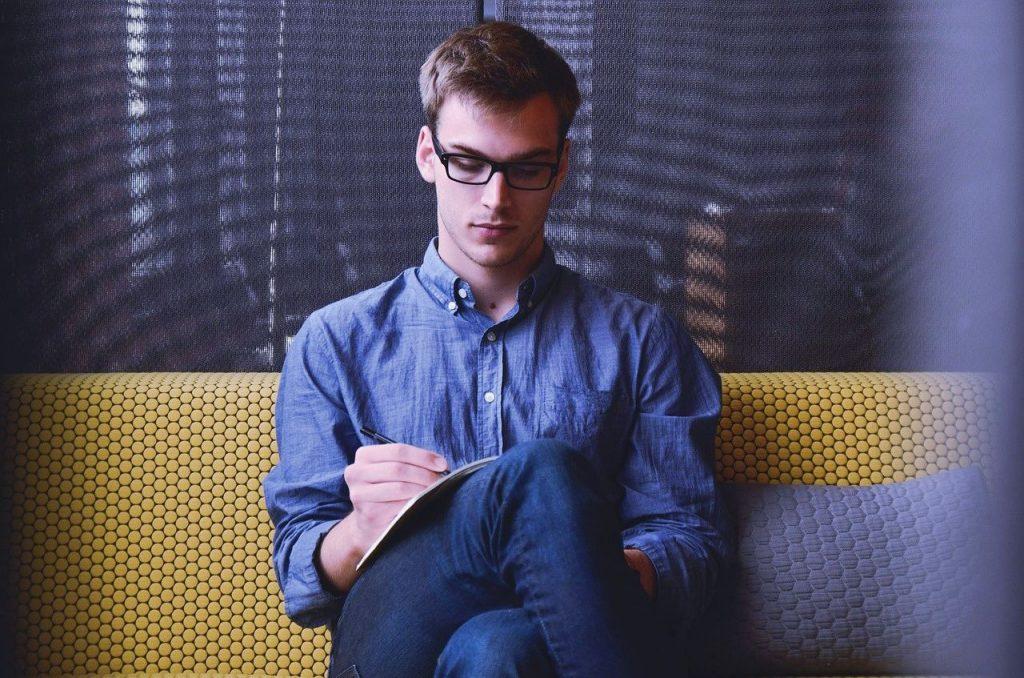 4 dicas para ganhar dinheiro como advogado iniciante