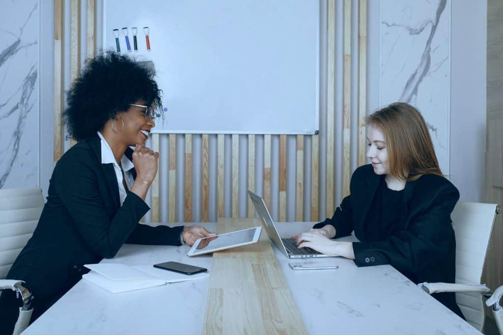 Como aplicar estratégias de marketing de relacionamento em escritórios de advocacia